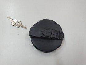 Крышка топливного бака D=80 пластик с ключами RVI