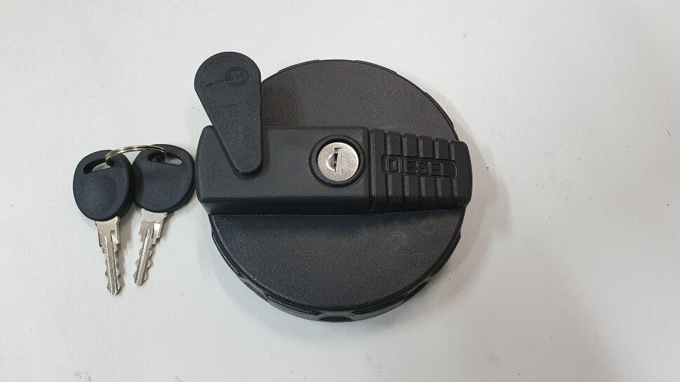 Крышка топливного бака D=90 пластик с ключами RVI