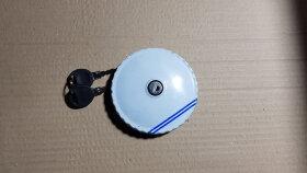 Крышка бака D=80 метал. с ключами и защитой