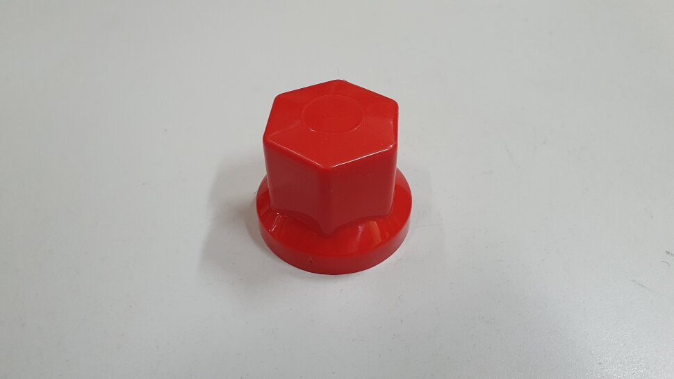 Колпачок гайки колеса 32мм пластиковый красный