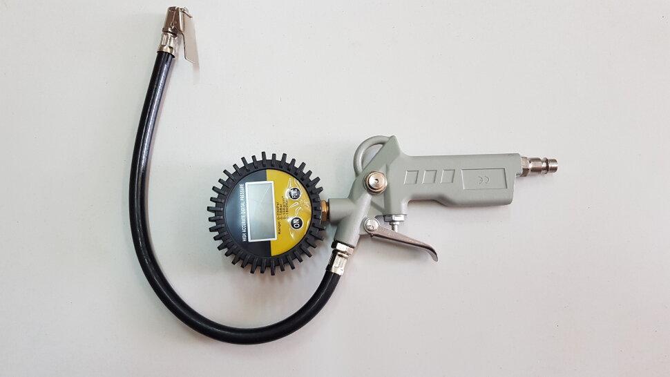 Пистолет для накачки шин с манометром цифровой