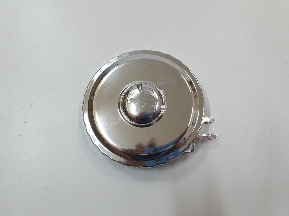 Крышка топливного бака D=80 метал. с ключами и защитой